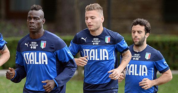 Composition Angleterre Italie, 15 juin 2014